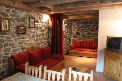 Confort renovation - Mur en pierre salon ...